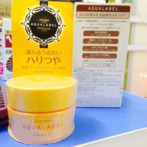 Kem sữa dưỡng da shiseido aqualabel vàng