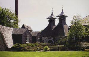 Nhà máy chưng cất Rượu Chivas Regal đặt tại Scotland