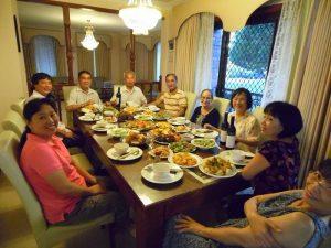 Nấu các món ăn tổ chức sinh nhật cho chồng tại nhà