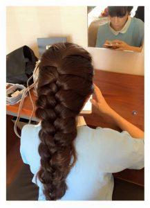 Minh Hà vẫn giữ được mái tóc dài bồng bềnh và dầy dù trải qua 3 lần sinh nở khiến nhiều mẹ ghen tỵ.